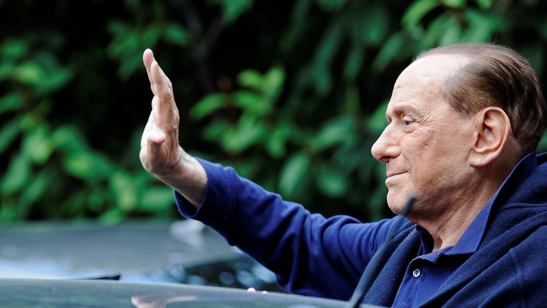 Berlusconi sale del hospital tras una operación a corazón abierto - Sputnik Mundo, 1920, 28.04.2021