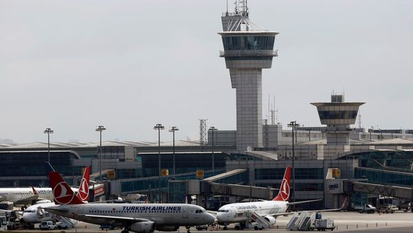 El aeropuerto internacional de Ataturk en Estambul - Sputnik Mundo