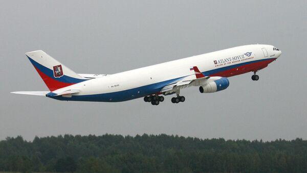 Avión Ilyushin IL-96-400 - Sputnik Mundo