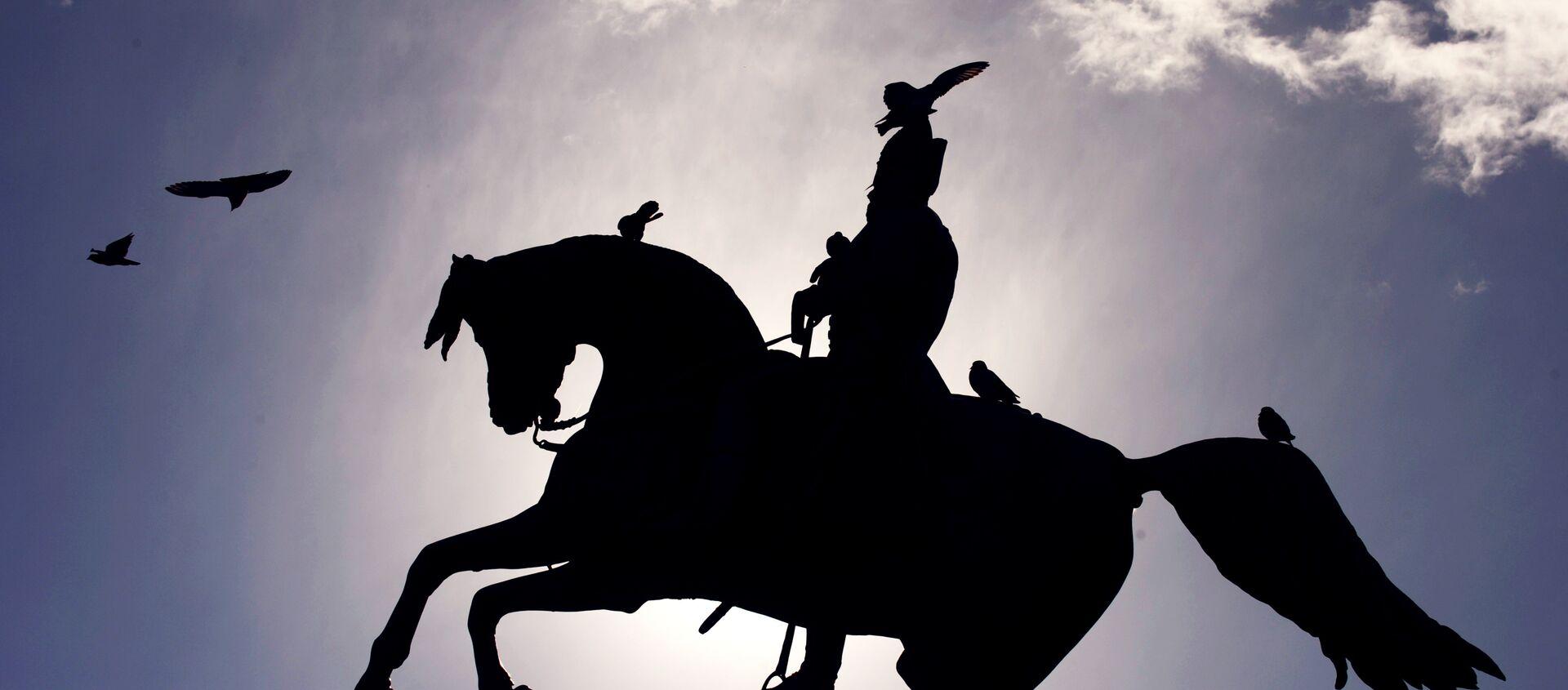 Monumento al General San Martín en Buenos Aires - Sputnik Mundo, 1920, 14.08.2020
