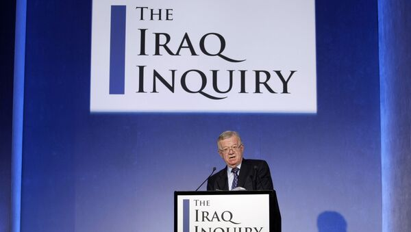 John Chilcot, the chairman of the Iraq Inquiry, outlines the terms of reference for the inquiry and explains the panel's approach to its work during a news conference to launch it at the QEII conference centre in London, Thursday, July 30, 2009. T - Sputnik Mundo