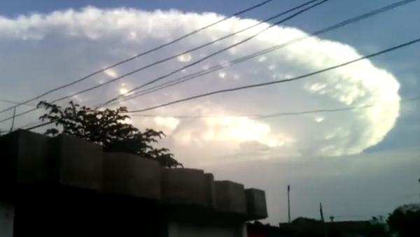 Una nube 'apocalíptica' se cierne sobre el cielo de Colombia - Sputnik Mundo