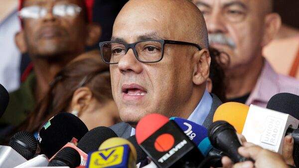 Jorge Rodriguez, mayor of Caracas talks to the media after challenging the opposition's referendum proposal against Venezuela's President Maduro in Caracas - Sputnik Mundo