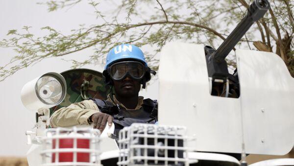 Un soldado de la ONU en la ciudad maliense de Kidal - Sputnik Mundo