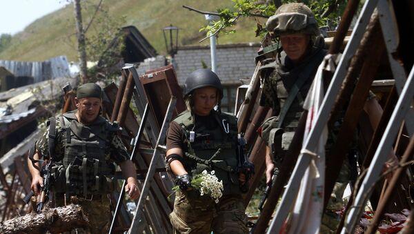 Milicianos en Donbás - Sputnik Mundo