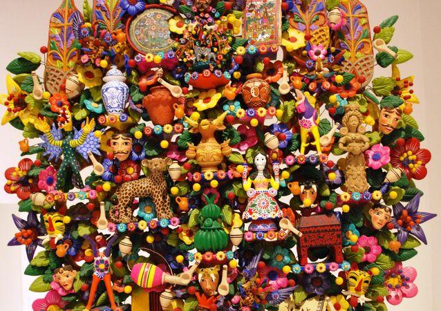 'Árbol de la vida' de Oscar Soteno en exhibición en el Museo de Arte Popular de la Ciudad de México