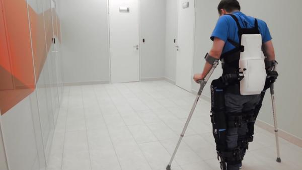 ExoAtlet, el exoesqueleto médico ruso - Sputnik Mundo