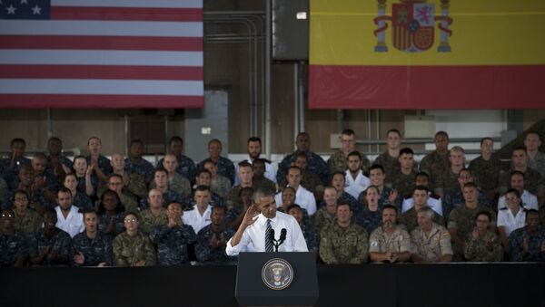 US president Barack Obama gestures as he speaks to service members at the Naval Station Rota, in Rota, southwestern Spain - Sputnik Mundo