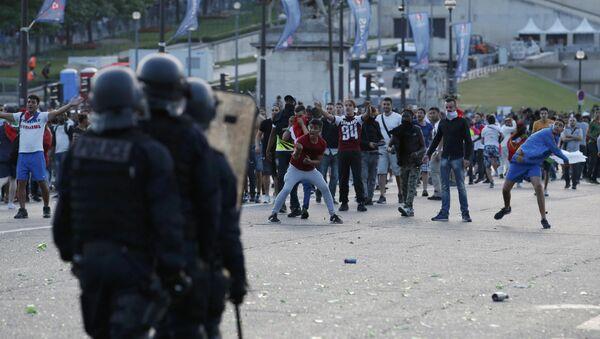 Disturbios en París - Sputnik Mundo