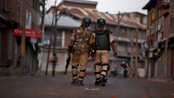 Policías de la India en Cachemira - Sputnik Mundo