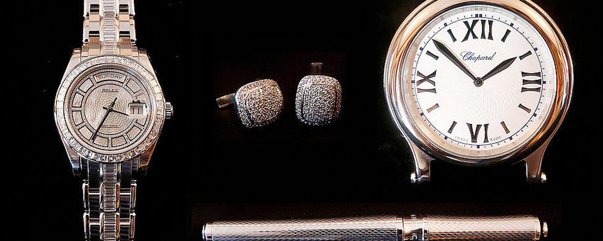 Set de joyas personales de Oro Blanco, Platino y Acero - Sputnik Mundo, 1920, 27.04.2021