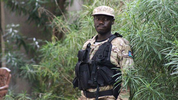 Un policía de Sudán del Sur - Sputnik Mundo