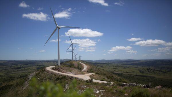 Un parque eólico en Uruguay (archivo) - Sputnik Mundo