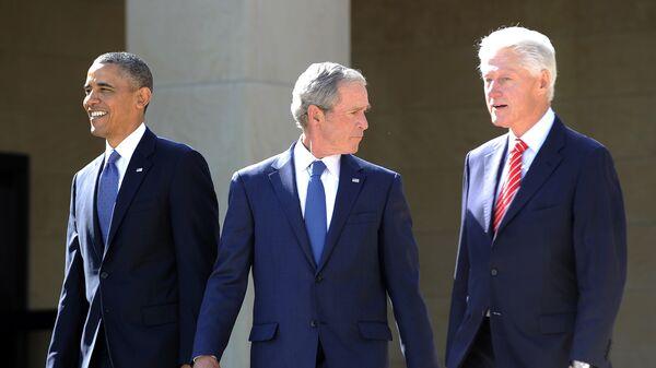 Presidente de EEUU, Barack Obama, y expresidentes George W. Bush y Bill Clinton - Sputnik Mundo