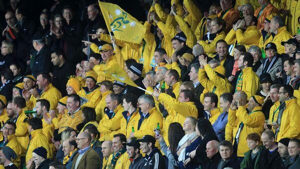 Los hinchas durante un partido de rugby - Sputnik Mundo