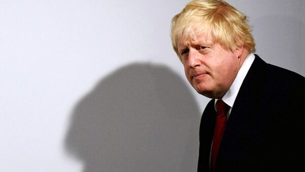 Vote Leave campaign leader Boris Johnson arrives to speak at the group's headquarters in London - Sputnik Mundo