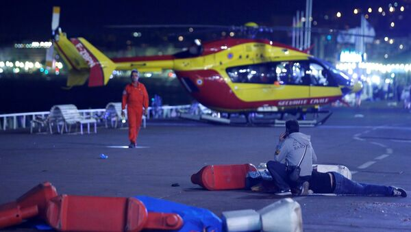 Situación tras el ataque con un camión en Niza - Sputnik Mundo