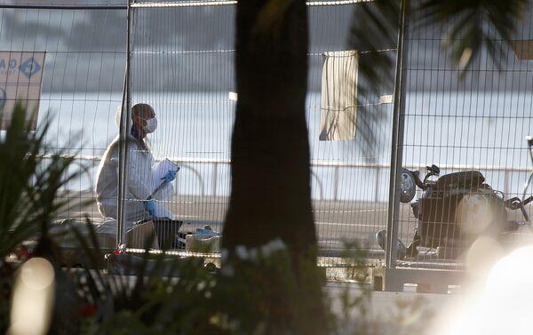 Policía francesa en el lugar del atentado en Niza - Sputnik Mundo