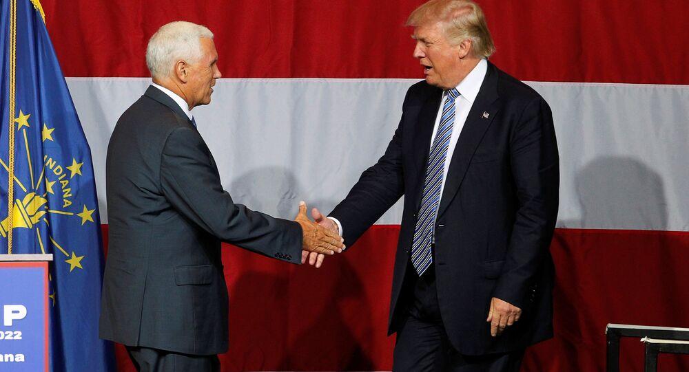 El gobernador de Indiana, Mike Pence, y el candidato republicano a presidencia de EEUU, Donald Trump