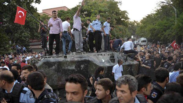 Situación en Ankara tras el intento de golpe de Estado en Turquía - Sputnik Mundo