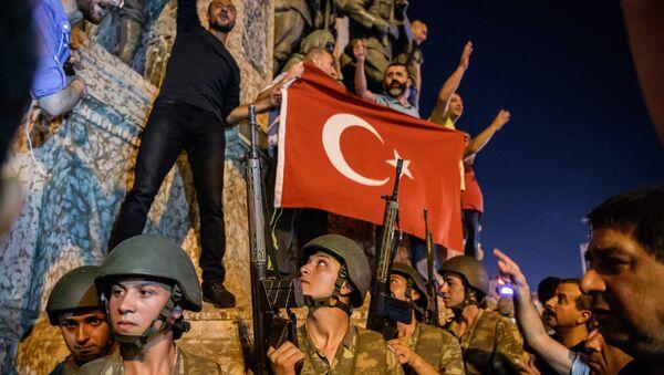 La plaza de Taksim durante el golpe de Estado (archivo) - Sputnik Mundo
