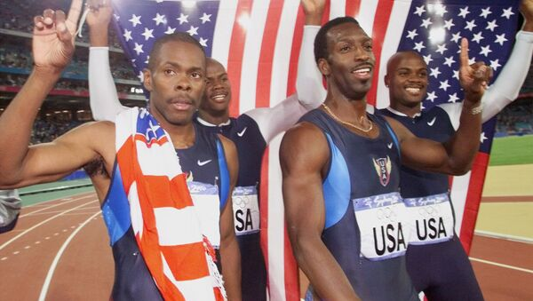 Campeones olímpicos de Sidney 2000: Antonio Pettigrew, Calvin Harrison, Michael Johnson y Alvin Harrison, algunos fueron encontrados culpables de dopaje - Sputnik Mundo