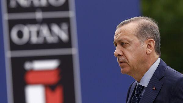 Tayyip Erdogan, presidente turco, en la cumbre de la OTAN en Varsovia - Sputnik Mundo