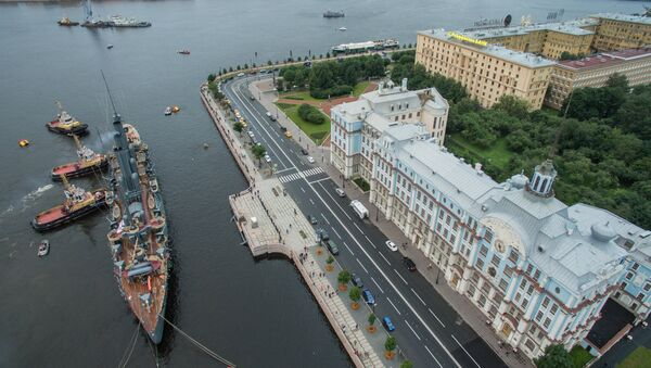 Símbolo de la revolución: el regreso del crucero Aurora a San Petersburgo - Sputnik Mundo
