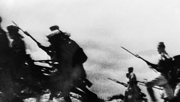 Ataque de los franquistas durante la guerra civil en España - Sputnik Mundo