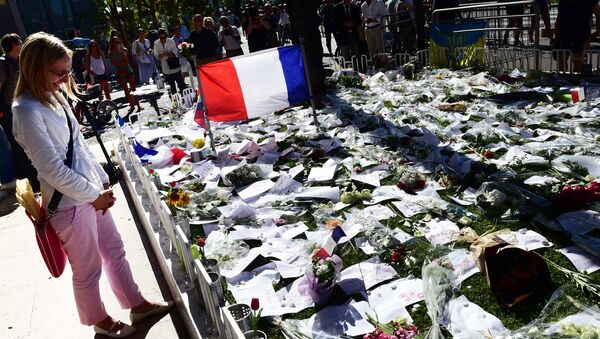 Memorial a los fallecidos en el atentado de Nizza, Francia  - Sputnik Mundo