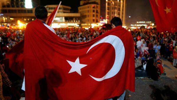 Manifestación en apoyo de  Recep Tayyip Erdogan, el presidente de Turquía, tras el fallido golpe militar - Sputnik Mundo