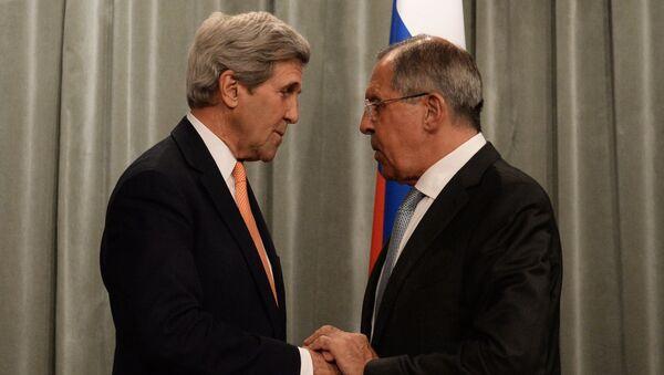 Secretario de Estado de EEUU, John Kerry, y ministro de Exteriores de Rusia, Serguéi Lavrov - Sputnik Mundo