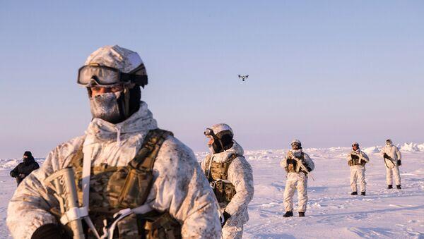 Militares de las Fuerzas especiales de Rusia en el Ártico - Sputnik Mundo
