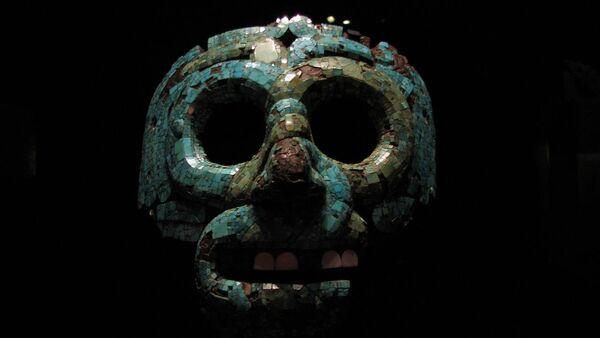 La máscara funeraria azteca del Museo Británico - Sputnik Mundo
