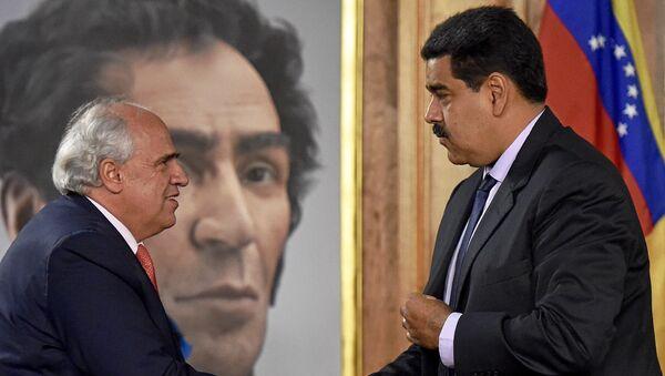 Ernesto Samper, secretario general de la Unasur, y Nicolás Maduro, presidente de Venezuela (archivo) - Sputnik Mundo
