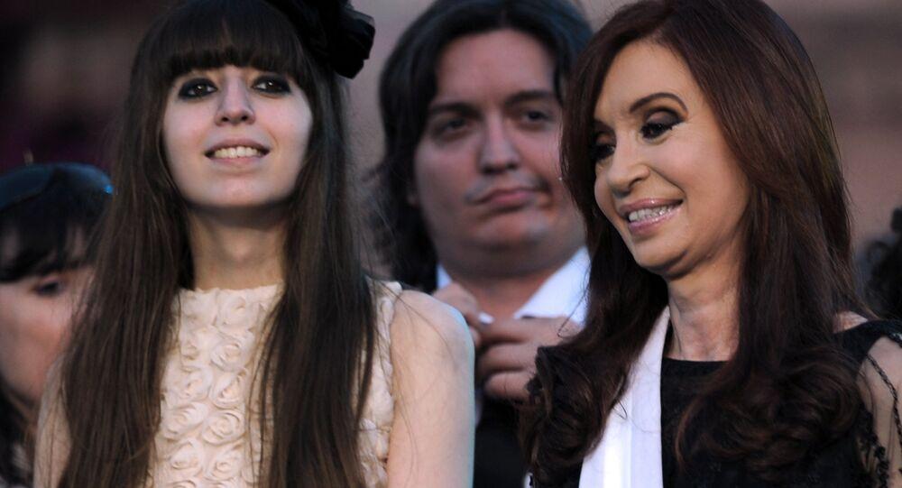 Florencia Kirchner y  Cristina Fernández, expresidenta argentina