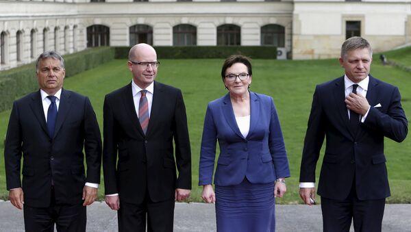 Los primeros ministros del V4: Víktor Orban de Hungría, Bohuslav Sobotka de la República checa, Ewa Kopacz de Polonia y Robert Fico de Eslovaquia - Sputnik Mundo