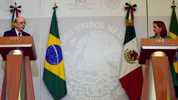 Ministro de Relaciones Exteriores de Brasil, José Serra, y canciller de México, Claudia Ruiz - Sputnik Mundo