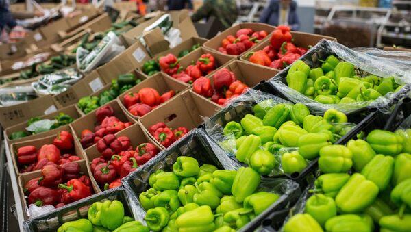 Verduras turcas en un supermercado ruso - Sputnik Mundo