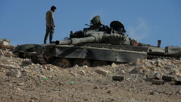 Militares rusos reportan 21 violaciones de la tregua en Siria en un día - Sputnik Mundo