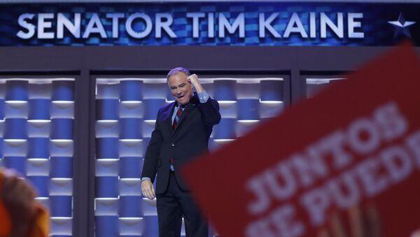 Tim Kaine habla español en su discurso de aceptación como vicepresidente - Sputnik Mundo