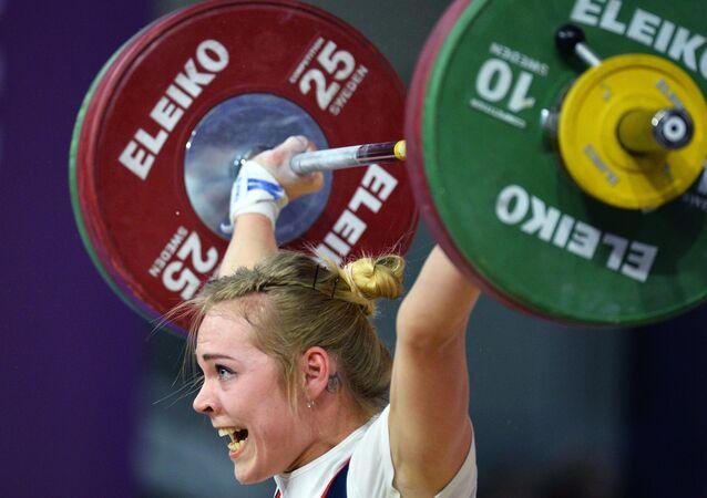 Una atleta de la selección rusa de halterofilia