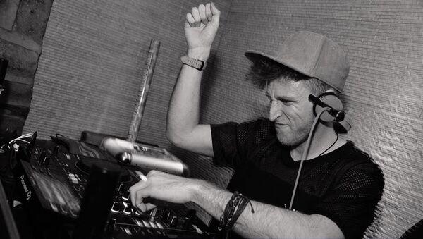 DJ Jay Whalley - Sputnik Mundo