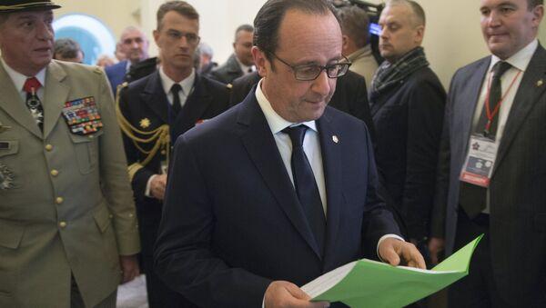 Presidente de Francia François Hollande en Ereván, 24 de abril 2015 - Sputnik Mundo