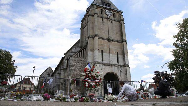 La iglesia atacada en Normandia - Sputnik Mundo