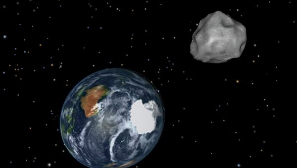 This image provided by NASA/JPL-Caltech shows a simulation of asteroid 2012 DA14 approaching from the south as it passes through the Earth-moon system on Friday, Feb. 15, 2013 - Sputnik Mundo