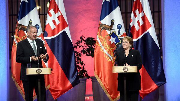 Presidente de la República Eslovaca, Andrej Kiska y presidenta de Chile, Michelle Bachelet - Sputnik Mundo