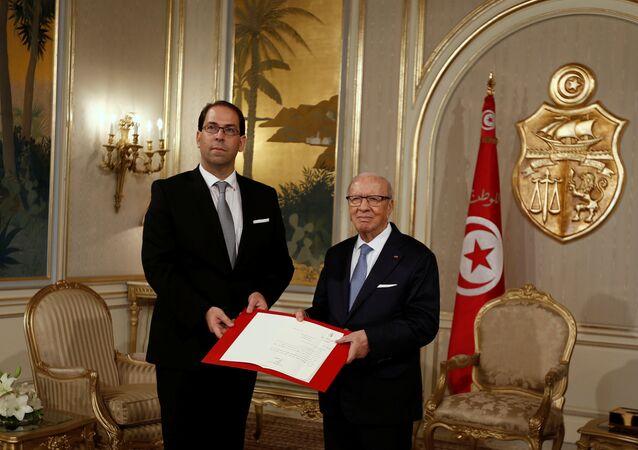 El presidente de Túnez, Beji Caid Essebsi, y primer ministro, Yusef Chahed