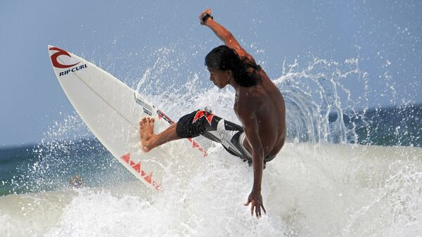 El surf - Sputnik Mundo