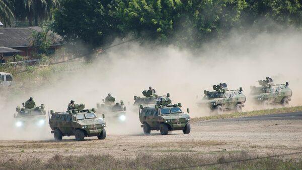 Ejercicios militares en la zona tropical del Chapare en el departamento de Cochabamba, Bolivia - Sputnik Mundo